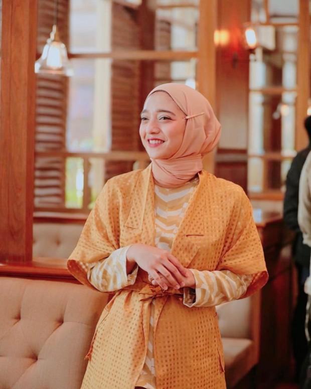 Hijab pashmina tanpa jarum