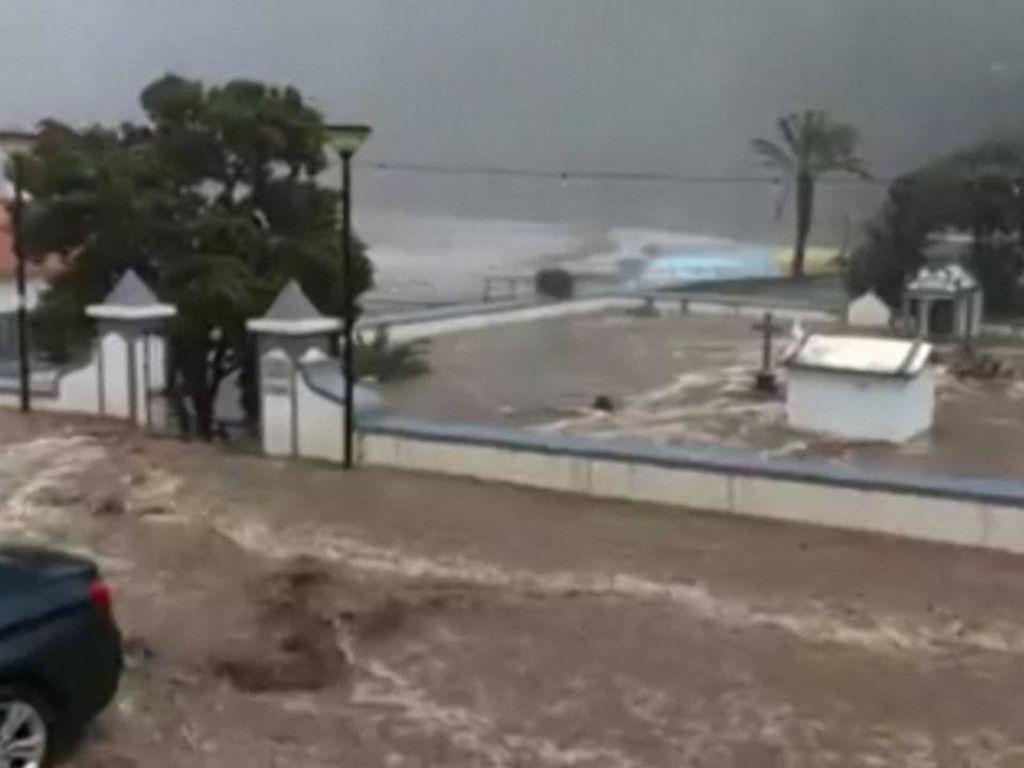 Kampung Halaman Cristiano Ronaldo Kebanjiran