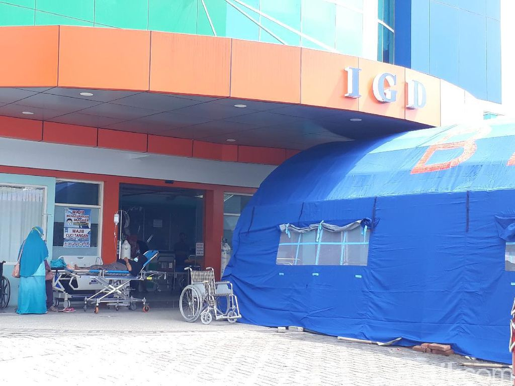 COVID Mewabah di Bojonegoro, Pasien Wajib Screening di Tenda IGD RS Aisyiyah