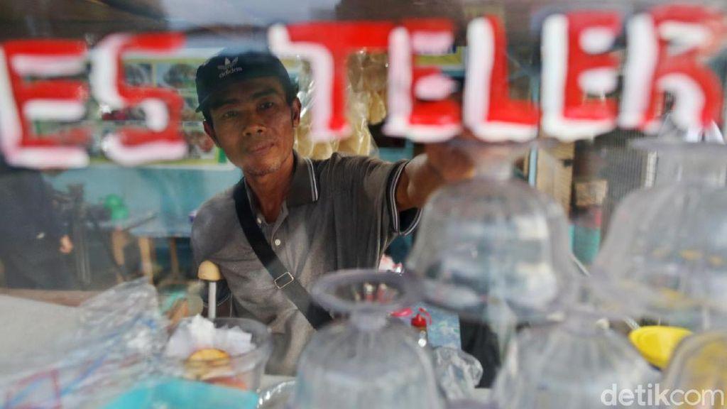 Frustasi-Ingin Bunuh Diri, Pedagang Ini Sukses di Batas Negeri