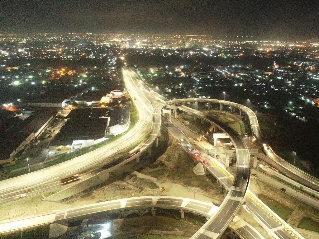 Buka Fungsional, Tol Medan-Binjai Bermandi Cahaya di Malam Hari