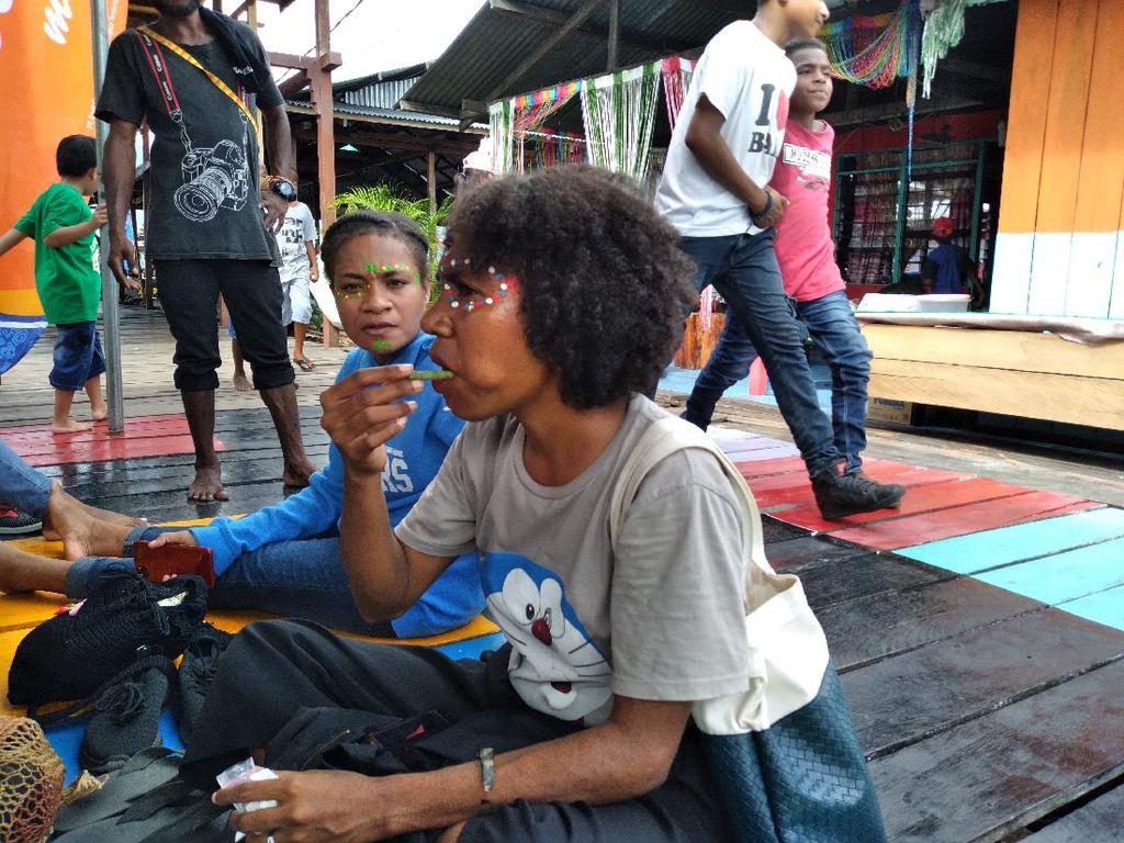 Sejak Kapan Orang Papua Makan Pinang?