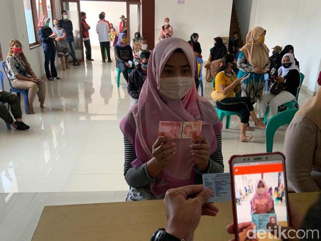 Pekan Ini Bansos Tahap IV Jawa Barat Dicairkan