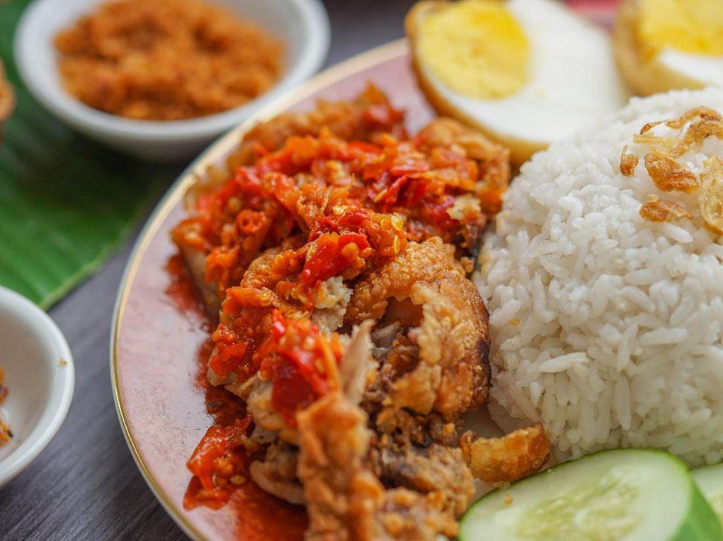8 Restoran Halal di Bali untuk Mampir Saat Liburan Akhir Tahun