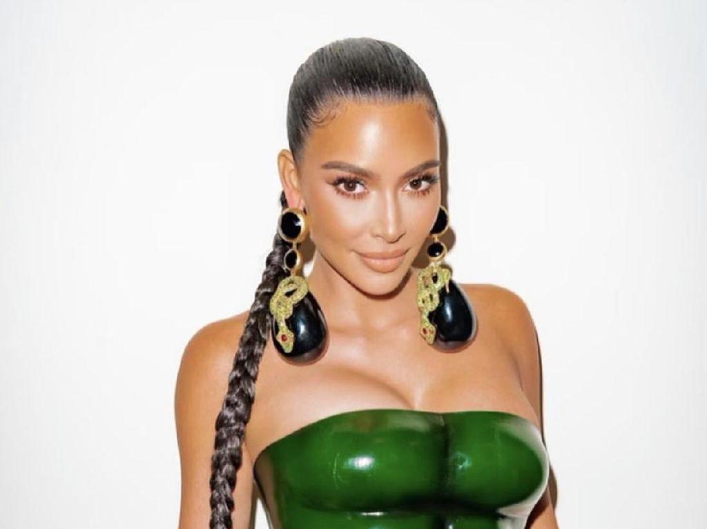 Kim Kardashian Dikabarkan akan Gugat Cerai Kanye West