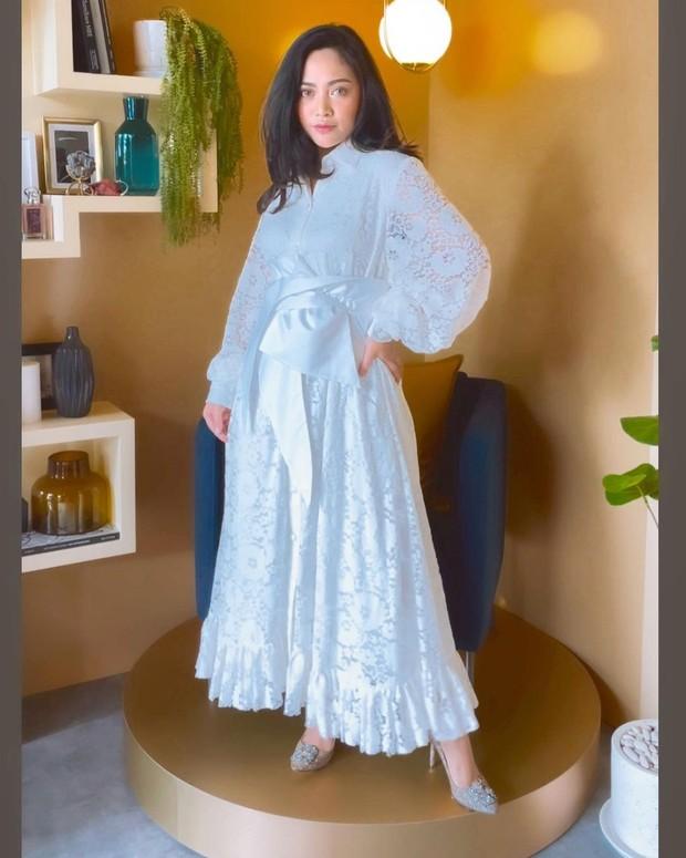 Rachel Vennya terlihat anggun dengan dress/instagram.com/rachelvennya