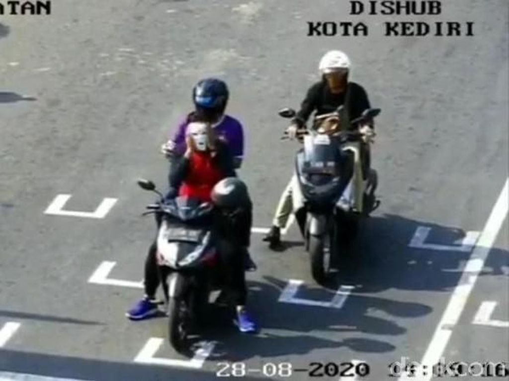5 Perilaku Biker di Traffic Light yang Bikin Geleng-geleng Kepala