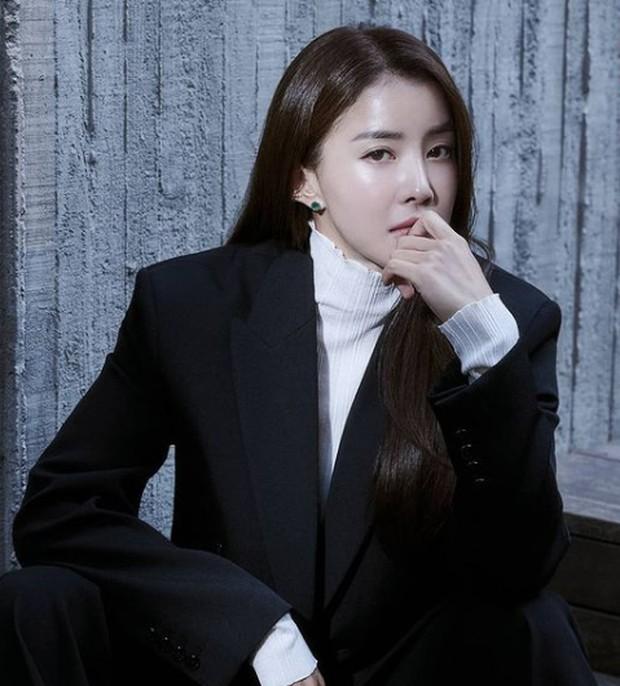 Fakta-Fakat Lee Si Young yaitu Aktris Senior/Instagram/@leesiyoung38