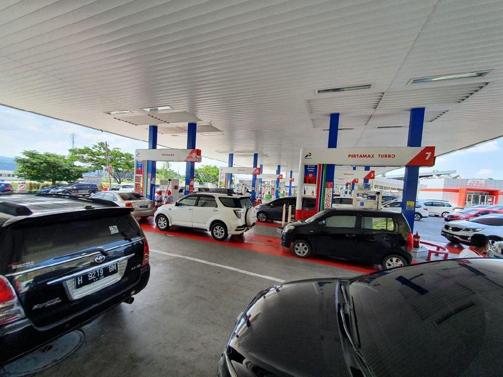 Konsumsi BBM di Tol Trans Jawa Naik hingga 400% Saat Libur Natal