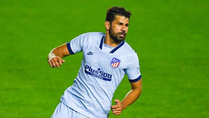 PAMPLONA, SPAIN - JUNE 17: Diego Costa of Atletico de Madrid looks on during the Liga match between CA Osasuna and Club Atletico de Madrid at El Sadar on June 17, 2020 in Pamplona, Spain. (Photo by David Ramos/Getty Images)