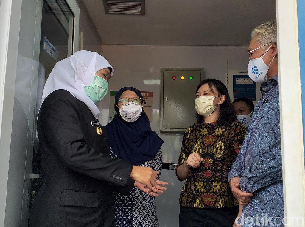 Gubernur Jatim Tinjau Laboratorium Intibios untuk Testing dan Tracing COVID-19