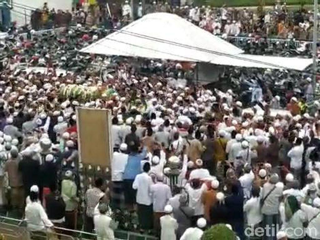Satgas COVID-19 Segera Tracing Soal Kerumunan Pemakaman Habib Hasan Assegaf