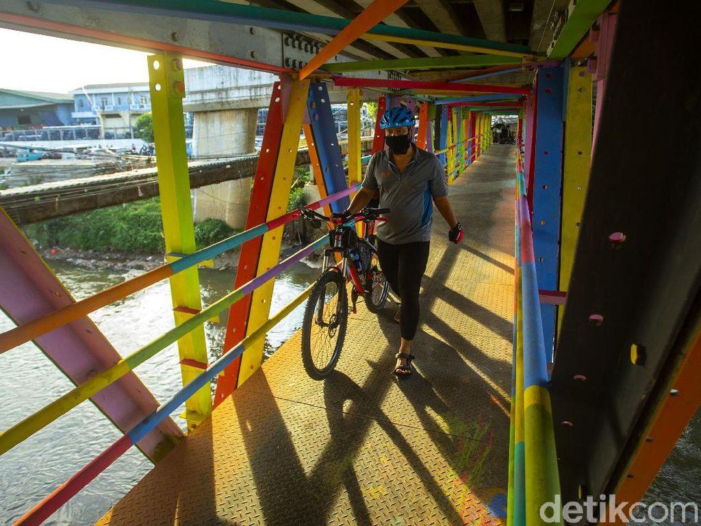 Menengok Rawajati yang Penuh Warna di Sudut Kota Jakarta