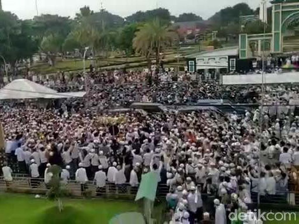 Pelayat Menyemut di Pemakaman Habib Hasan, Ini Kata PWNU Jatim