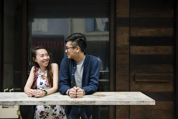 Akan membuat kencan lebih bermakna karena bisa mencocokkan nilai-nilai yang dianut.