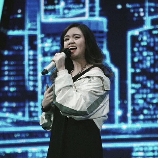 Ketika audisi, video audisi Fitri Novianty tidak ditampilkan utuh dan digabungkan dengan peserta lainnya. Ia juga hanya memperoleh empat YES dari lima juri.