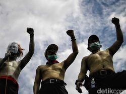 Buruh Menyerah! Puluhan Ribu Orang Kibarkan Bendera Putih 5 Agustus