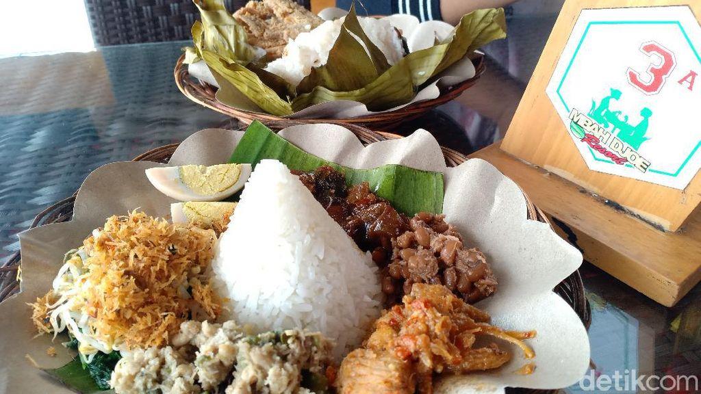 Foto Nasi Bancak, Kuliner Lezat khas Sarangan