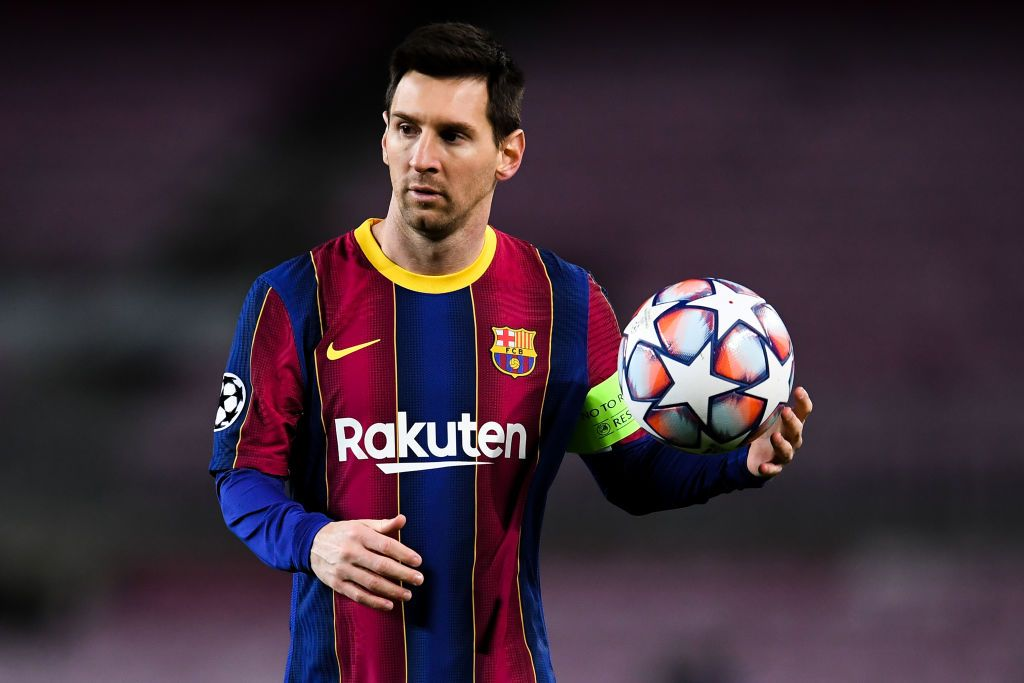 BARCELONA, SPAIN - DECEMBER 08: Lionel Messi of FC Barcelona looks on during the UEFA Champions League Group G stage match between FC Barcelona and Juventus at Camp Nou on December 08, 2020 in Barcelona, Spain. Sporting stadiums around Spain remain under strict restrictions due to the Coronavirus Pandemic as Government social distancing laws prohibit fans inside venues resulting in games being played behind closed doors. (Photo by David Ramos/Getty Images)