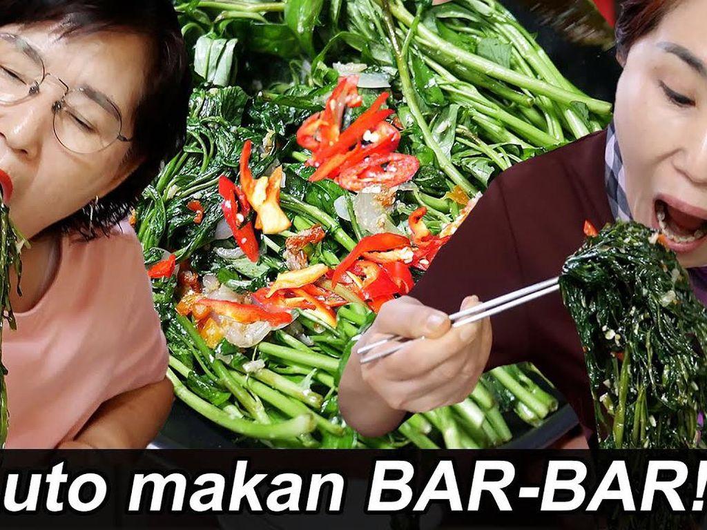 5 Orang Korea Ini Lahap Makan Cah Kangkung, Ada Chef Ternama Lho!