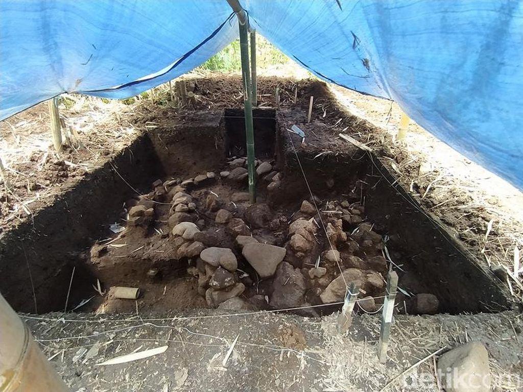 Foto: Struktur Kuno Misterius Ditemukan di Dekat Candi Pawon