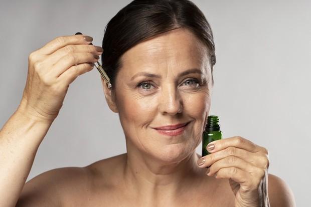 Penggunaan Peptide dan Retinol Untuk Anti-Aging