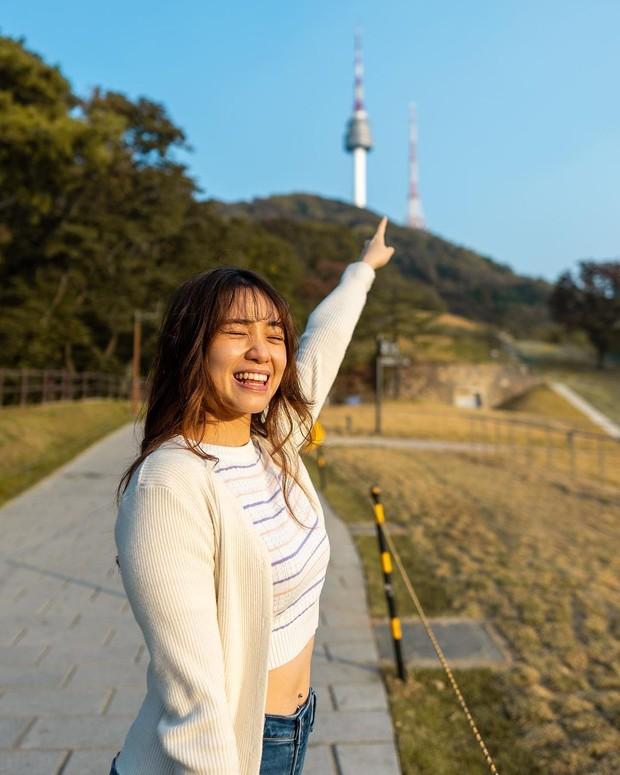 Jeanette mengambil beasiswa di Korea