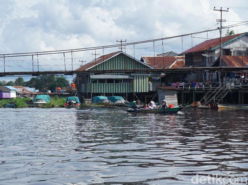 Seharian Menyusuri Sungai Terpanjang di Indonesia, Seru!