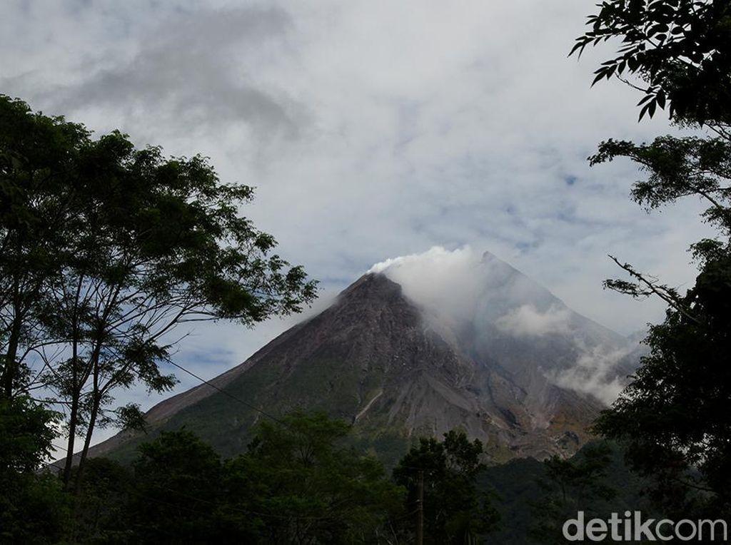 Kaleidoskop 2020: Waspada 2 Tahun, Status Gunung Merapi Naik ke Siaga