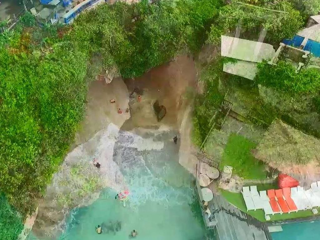 Celebrity on Vacation: Floating di Uluwatu Bali