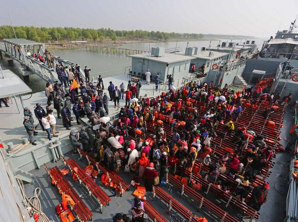 Bangladesh Pindahkan Lagi Ribuan Pengungsi Rohingya ke Pulau Terpencil