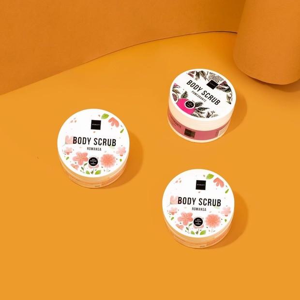 Body scrub menjadi salah satu produk Scarlett Whitening yang menarik perhatian skincare enthusiast.