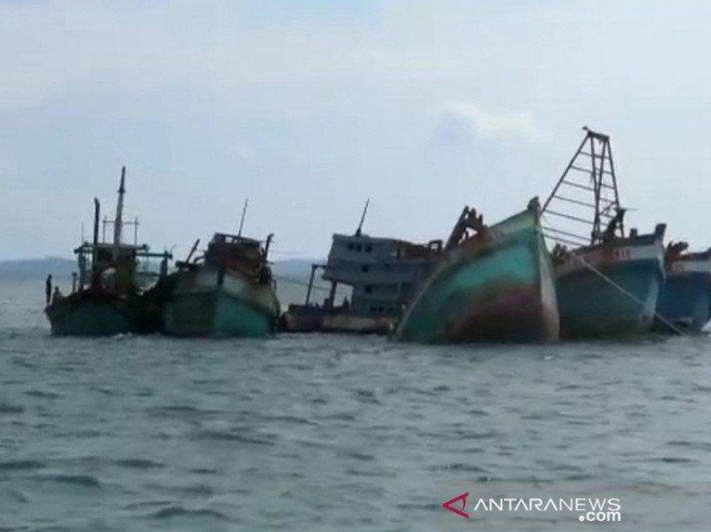 Curi Ikan di Kepri, 5 Kapal Nelayan Vietnam-Malaysia Ditenggelamkan