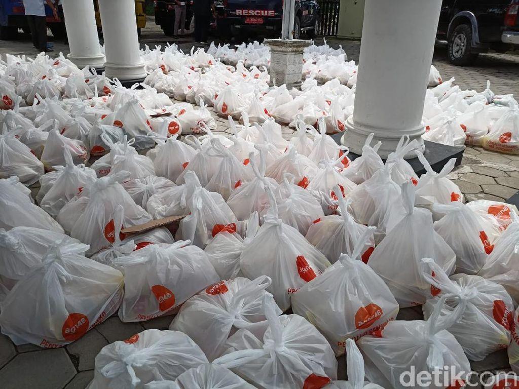 Dinsos Ponorogo Bagikan 542 Paket Sembako di Penghujung Tahun