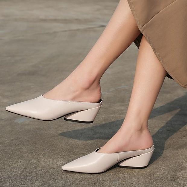 wide mules heels