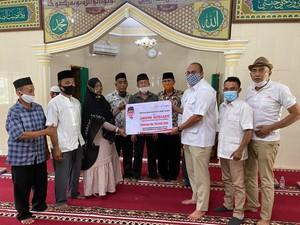 Andre Rosiade Salurkan Bantuan Ratusan Juta ke Kampung Halaman