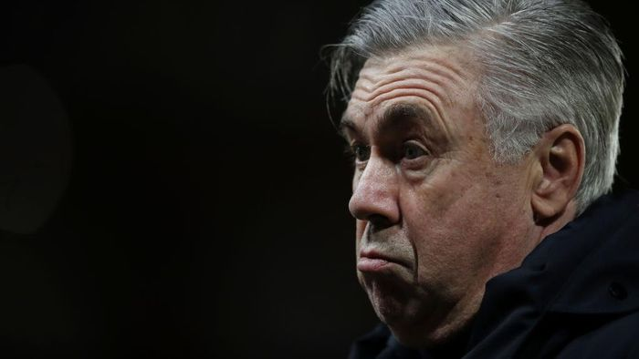 SHEFFIELD, ENGLAND - DECEMBER 26: Carlo Ancelotti, Manager of Everton reacts prior to the Premier League match between Sheffield United and Everton at Bramall Lane on December 26, 2020 in Sheffield, England. The match will be played without fans, behind closed doors as a Covid-19 precaution. (Photo by Nick Potts - Pool/Getty Images)