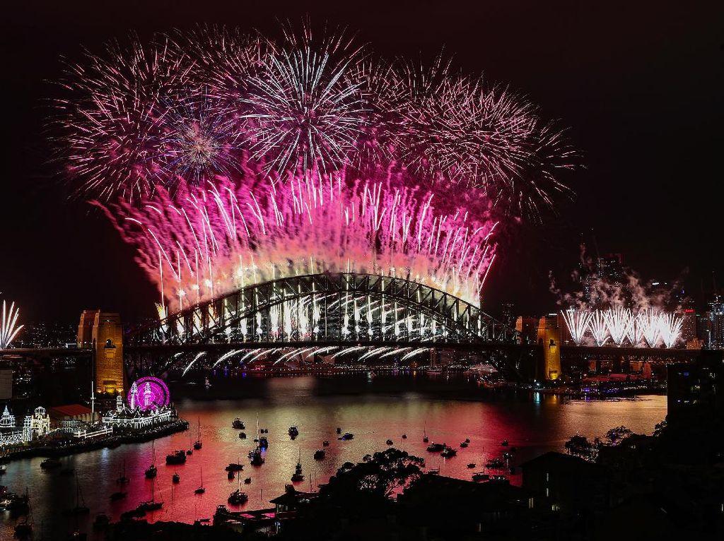Tarian Kembang Api di Langit Sydney