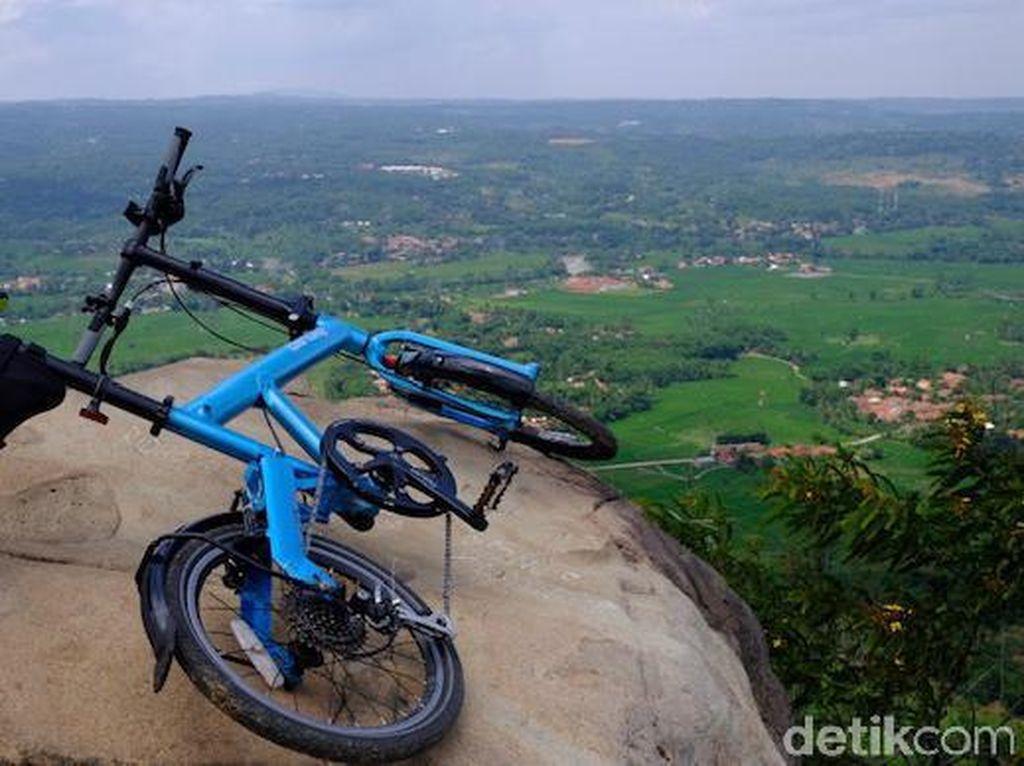 Menjejakkan Kaki di Gunung Kanaga, Gunung Avatar dari Bogor