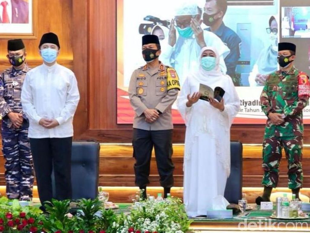 Sambut Tahun Baru 2021, Gubernur Khofifah: Ayo Jatim Bangkit!