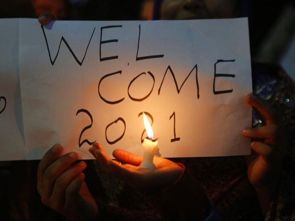 8 Cuitan Resolusi 2021 Netizen Indonesia yang Bikin Senyum Ngenes