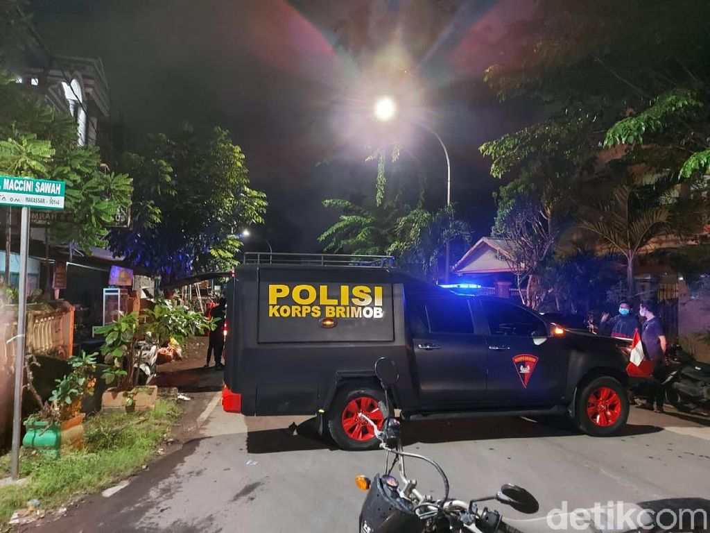 Imam Masjid di Makassar Ditelepon Pria Ngaku Teroris, Gegana Turun Tangan