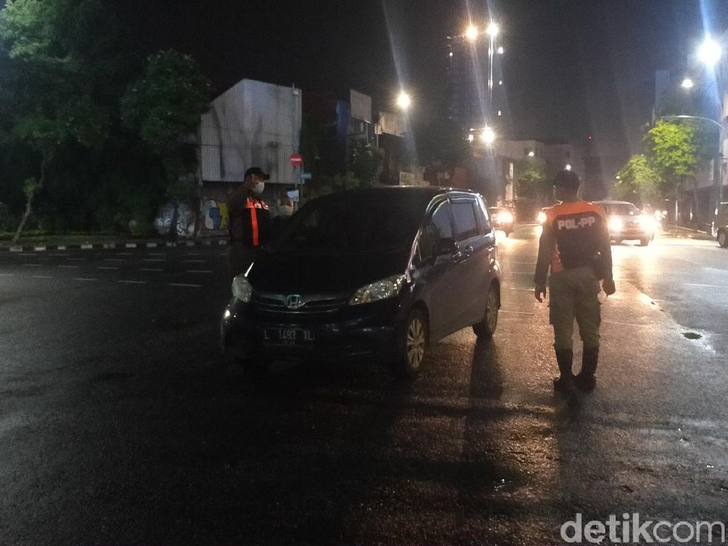 PPKM Disebut Tak Efektif, Surabaya Bikin Kawasan Physical Distancing