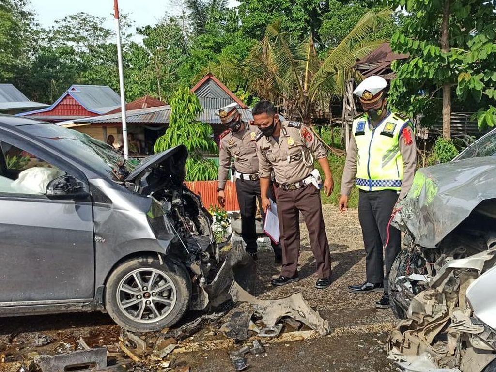 Dua Mobil Adu Banteng di Wajo Sulsel, 2 Orang Tewas