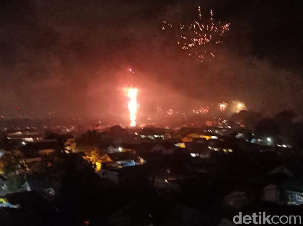 Tak Banyak, Kembang Api Tetap Hiasi Malam Tahun Baru 2021 di Papua-Ambon