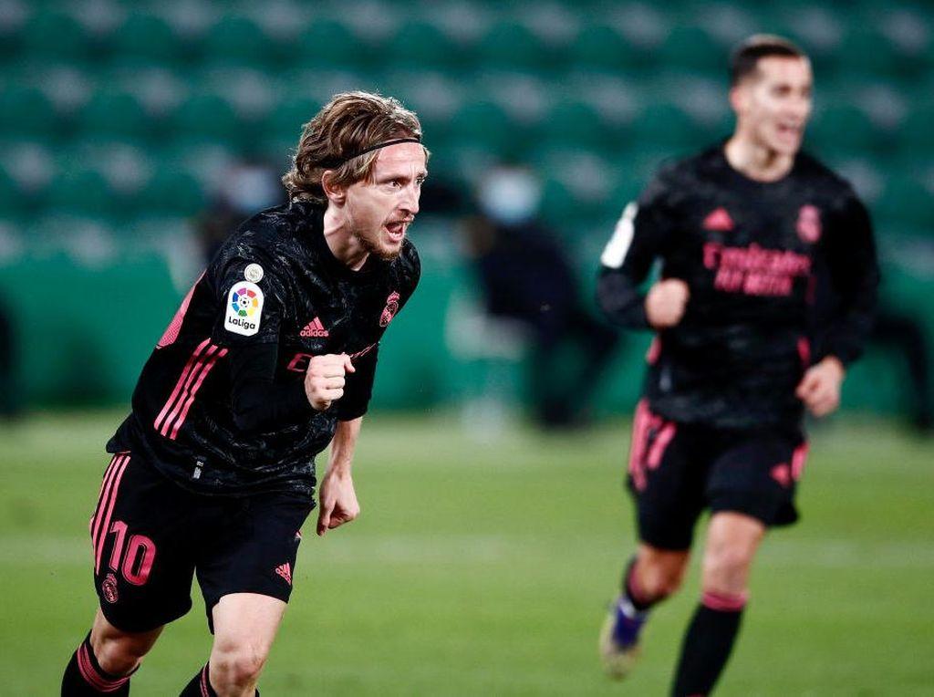 Luka Modric Perpanjang Kontrak, Bela Madrid Semusim Lagi