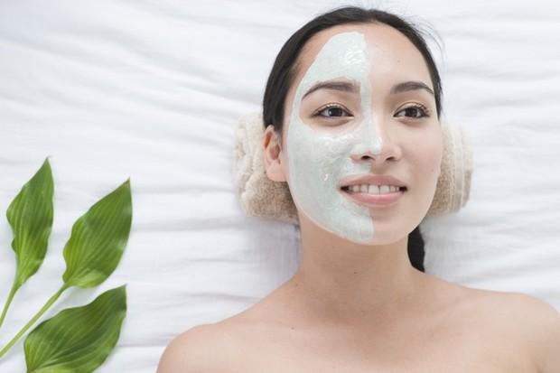Masker Organik dikenal aman karena terbuat dari bahan-bahan alami /freepik.com