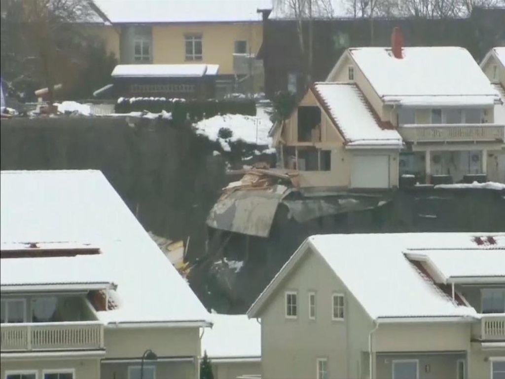 Raja Norwegia Tengok Bencana Longsor: Mengerikan!