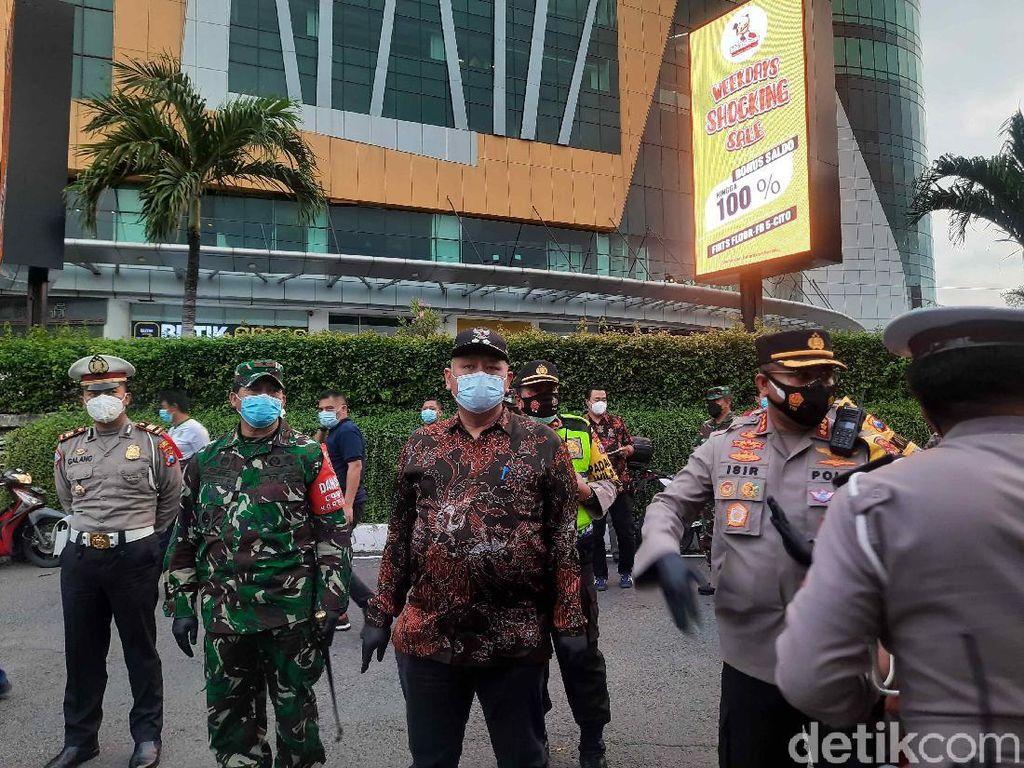Plt Wali Kota Surabaya Pantau Pintu Masuk Jelang Pergantian Tahun