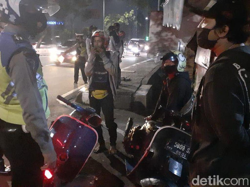 Malam Tahun Baru, Puluhan Motor dari Tangerang Dihalau Masuk Jakarta